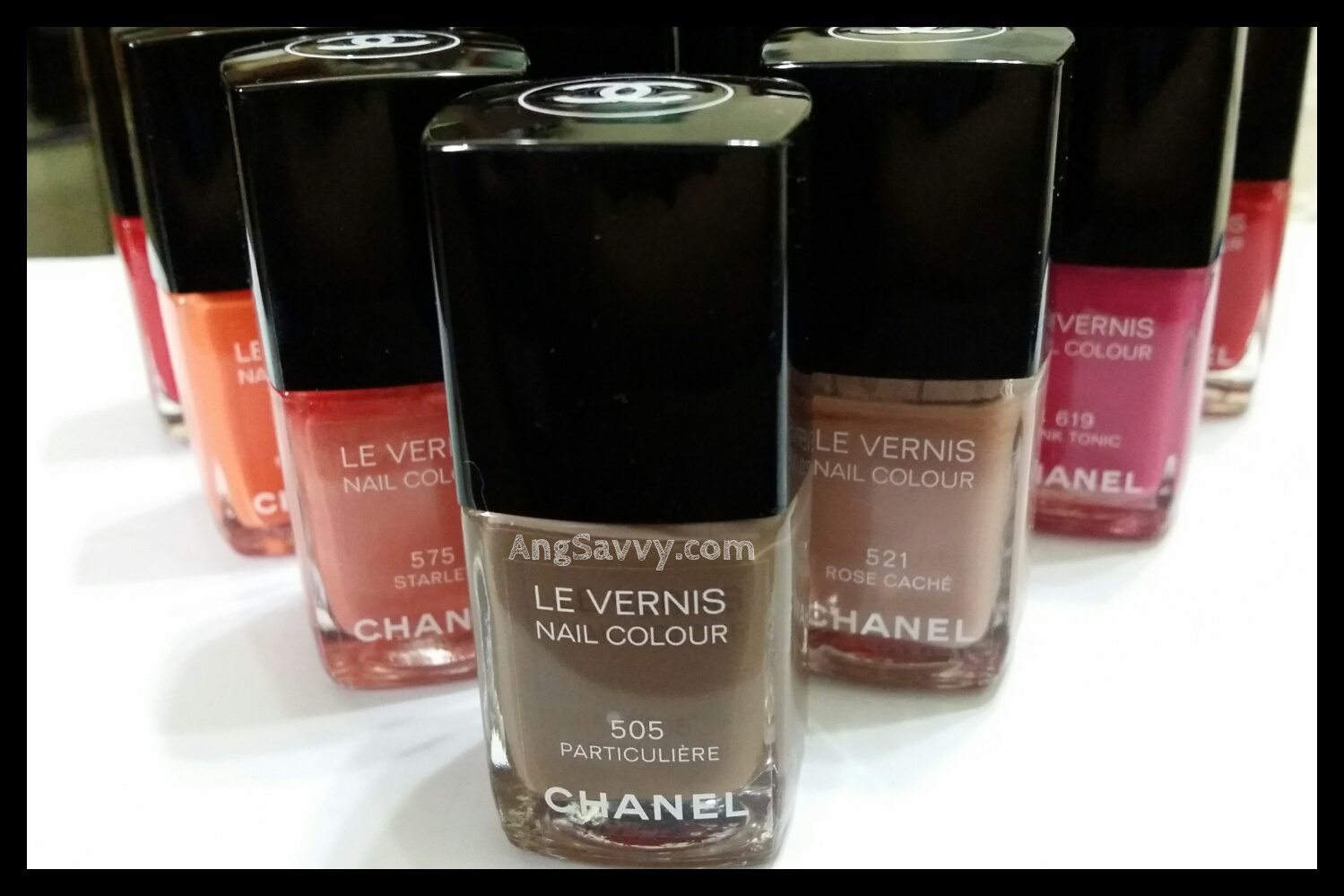 Chanel Le Vernis Nail Colour 505 Particuliere