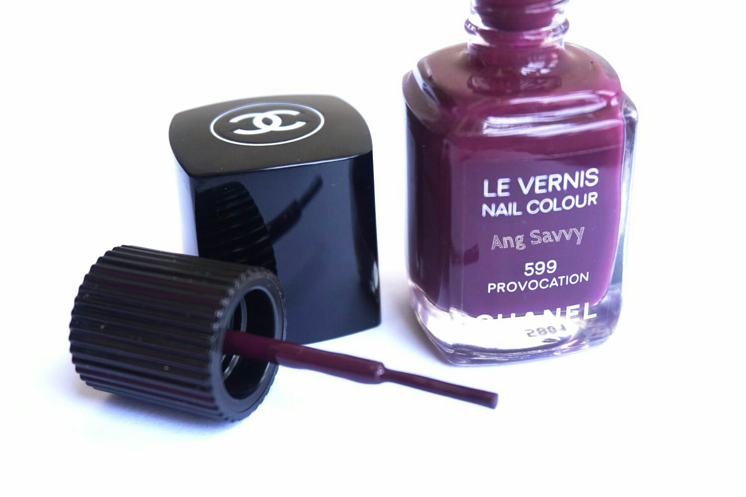 Chanel Le Vernis Nail Colour 599 Provocation