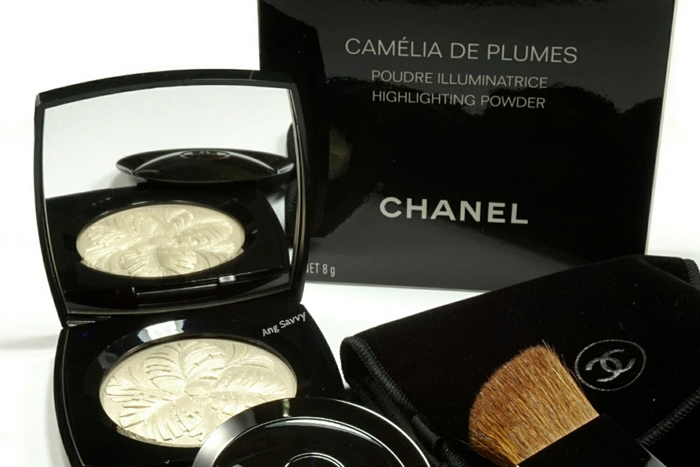 Chanel Camelia de Plumes Highlighting Powder