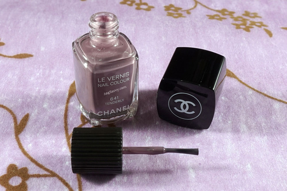 Chanel Tenderly Le Vernis 641 Nail Polish