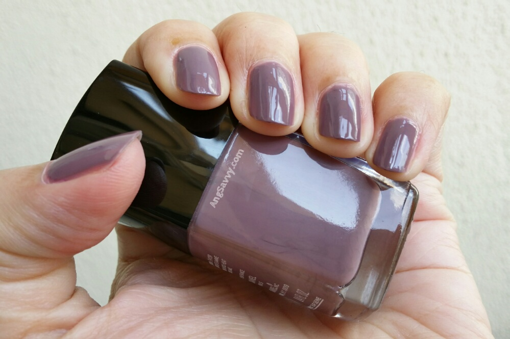 Chanel Tenderly Le Vernis 641 Nail Polish Swatches